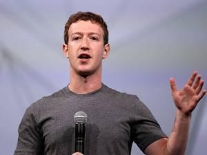 kaos polos Mark Zuckerberg